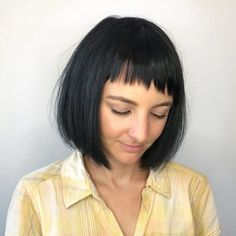 19 Hottest Layered Haircuts with Bangs for 2018 Straight Layered Hair, Layered Haircuts With Bangs, Hot Haircuts, Short Hair With Bangs, Short Hair With Layers, Hairstyles With Bangs, Straight Hairstyles, Short Hair Styles, Straight Bangs