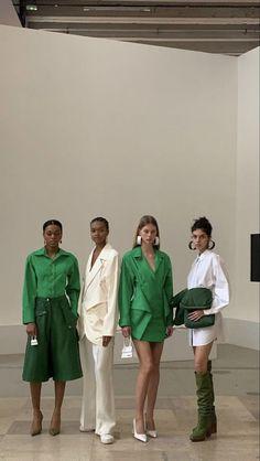 Runway Fashion, High Fashion, Fashion Show, Fashion Outfits, Fashion Design, Student Fashion, School Fashion, My Vibe, Mode Vintage