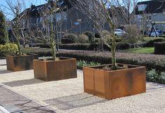 Metal Planters, Outdoor Planters, Planter Pots, Modern Backyard, Backyard Landscaping, Garden Inspiration, Flower Pots, Exterior, Patio