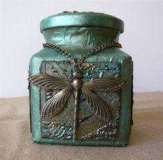 Craft Mix: Recycled Altered Glass Jar - Es genial solo le falta hacer un trabajo en la tapa
