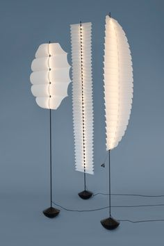 Sway Light by David Derksen Design (Netherlands) - These ultra light paper lampshades balance on small heavy bases. Inspired by kites and sails, the lights oscillate when you walk by. Lamp Design, Lighting Design, Paper Lampshade, Circle Light, Paper Light, Room Lamp, Lamp Light, Light Fixtures, Furniture Design
