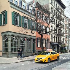 Street scene in SoHo. Photo courtesy of mjtraynor on Instagram.