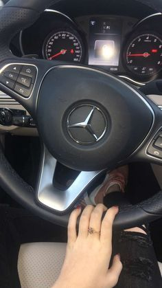 Mercedes Amg, Mercedes Girl, Tumblr Car, Snapchat Girls, Snapchat Picture, Girls Driving, Girly Car, Hipster, Car Goals