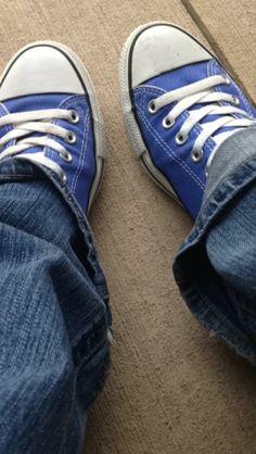 #converse #chucks #fall shoes! Converse All Star, Converse Shoes, Flat Boots, Fall Shoes, Chuck Taylor Sneakers, Chuck Taylors, Flip Flops, Flats, How To Wear