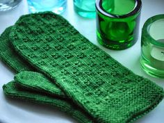Fingerless Mittens, Knit Mittens, Mitten Gloves, Wrist Warmers, Knitting Accessories, Fun Projects, Knit Crochet, Knitting Patterns, Embroidery
