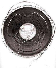 Bobine bande magnétique audio à noyau type trident - www.remix-numerisation.fr - Rendez vos souvenirs durables ! - Sauvegarde - Transfert - Copie - Digitalisation - Restauration de bande magnétique Audio - MiniDisc - Cassette Audio et Cassette VHS - VHSC - SVHSC - Video8 - Hi8 - Digital8 - MiniDv - Laserdisc - Bobine fil d'acier - Micro-cassette - Digitalisation audio - Elcaset