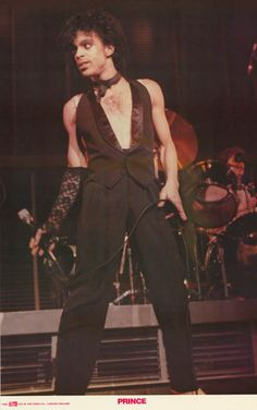 Prince looks fantastic perfroming live in this awesome poster! An original published in 1982! Ships fast. 23x36 inches. Check out the rest of our great selection of Prince posters! Need Poster Mounts.