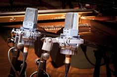 Panning Stereo Tracks - http://www.techmuzeacademy.com/video/panning-stereo-tracks
