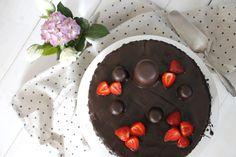 Chocolate cake: The perfect birthday cake recipe Birthday Design, Papi, Food Cakes, Chocolate Cake, Cake Recipes, Food And Drink, Birthday Cake, Pudding, Cooking