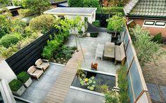 klassiek/moderne tuin - Green ART: Moderne tuinen, Tuinontwerp, Tuinaanleg-- mixed and contrasting texture. Mulberry shade tree with sunshade