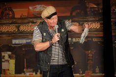 """Kabarettist Michael Eller mit """"Zwischen Rocker und Rollator"""" im Apex"""