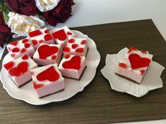 Walentynkowe ciasto bez pieczenia - proste i przepyszne! - Blog z apetytem Nutella, Healthy Recipes, Healthy Food, Favorite Recipes, Sweets, Sugar, Candy, Cookies, Blog