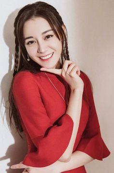 See More in Pinclub Perfect Smile, Asian Cute, Girls Time, Asian Celebrities, Chinese Actress, Korea Fashion, Indian Designer Wear, Famous Women, Beautiful Asian Women