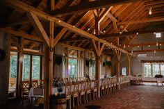 Miejsce. Hacjenda Dolina Żab. Dębniki Piękna stodoła z dużym zielonym terenem. Klimatyczna duża, piękna sala. Możliwość ślubu cywilnego w plenerze :) Przyzwoita odległość od Wrocławia.