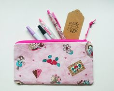 Pencil Case – Cute Pink Pencil Pouch Fully Lined – a unique product by gooseygoosey on DaWanda Pencil Pouch, Cute Pink, Pouches, Coin Purse, Wallet, Unique, Pretty, Handmade, Hand Made