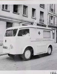 Hy Citroen, Recreational Vehicles, Tub, War, Antique Cars, Bathtubs, Camper, Bathtub, Campers