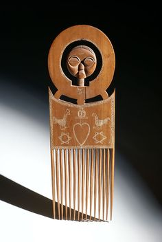 Africa | Comb from the Ashanti people of Ghana | Late 20th century | Wood