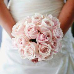 bouquet de la marie roses weddingphotographertroyes photographe mariage troyes photographemariagetroyes romantique - Photographe Mariage Troyes