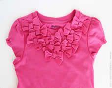 Linda camisetinha personalizada para o guarda roupa infantil