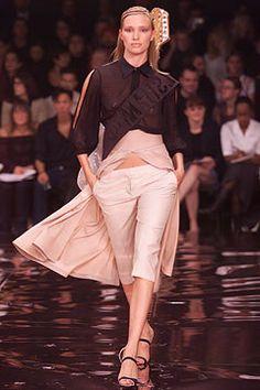 Stella McCartney Spring 2002 Ready-to-Wear Fashion Show - Stella McCartney