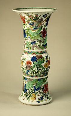 Vase [ China] Qing Dynasty, Kangxi Period Porcelain painted overglazed Famille Verte enamels and gilt. Porcelain Ceramics, Ceramic Vase, Ceramic Pottery, Japanese Porcelain, Chinese Ceramics, Qing Dynasty, Chinese Antiques, Chinese Art, Chinese Painting