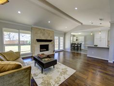 18 Willow Creek Plac
