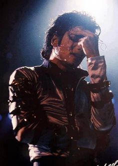 Michael Jackson                                                       …