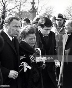Frank Sinatra with his mother at his fathers funeral with son Frank Jr