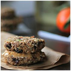 Wholehearted Eats : Grab and Go Breakfast Cakes (healthy breakfast cookies) Grab And Go Breakfast, Breakfast Bake, Breakfast Cookies, Breakfast Bowls, Breakfast Recipes, Breakfast Ideas, Healthy Vegan Breakfast, Healthy Food, Healthy Eating