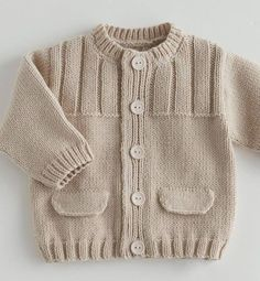 39 most showy towel edge needlework models - Babykleidung Baby Knitting Patterns, Baby Sweater Patterns, Baby Cardigan Knitting Pattern, Baby Boy Knitting, Knit Baby Sweaters, Knitted Baby Clothes, Knitting For Kids, Knitting Designs, Baby Patterns