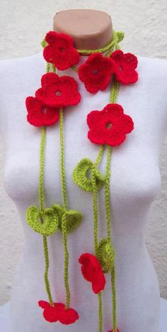 i would so wear this Amai, Jewelery, Crochet Necklace, Handmade Jewelry, Flowers, How To Make, Pasta, Necklaces, Decorating