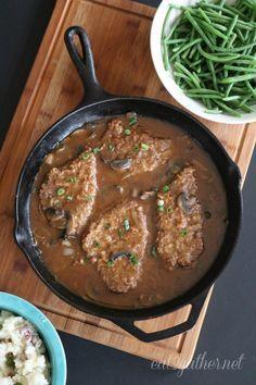 quick and easy Swiss Steak Add yellow bell peppers! Even betta! Swiss Steak Recipes, Cube Steak Recipes, Meat Recipes, Crockpot Recipes, Cooking Recipes, Cooking Tips, Steak Meals, Kale Recipes, Cuban Recipes