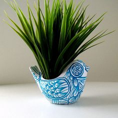 Ceramic Bird Vase Blue White Folk Art Planter Home por sewZinski