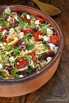 Roasted Tomato Pasta, Tomato Pasta Salad, Cherry Tomato Pasta, Roasted Cherry Tomatoes, Pasta Salad Recipes, Greek Recipes, Light Recipes, Vegetarian Recipes, Cooking Recipes