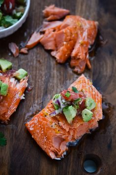 slow roasted salmon is topped with a citrusy grapefruit avocado salsa. Easy, healthy and super versatile! Salmon Recipes, Fish Recipes, Seafood Recipes, Whole Food Recipes, Cooking Recipes, Healthy Recipes, Banting Recipes, Healthy Foods, Yummy Recipes