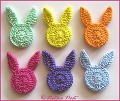 Easter Bunny (Plant) Stakes – Free Crochet Pattern / Easter Bunnies Flower Studs – Free Crochet Pattern (Natas Nest) - All About Crochet Easter, Easter Crochet Patterns, Crochet Bunny Pattern, Quick Crochet, Diy Crochet, Crochet Hooks, Crochet Baby, Appliques Au Crochet, Crochet Motifs