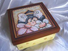 Kit caixa+sabonete para presente. Linda caixinha decorada e ainda vem um sabonete com o mesmo motivo para combinar. R$35,00