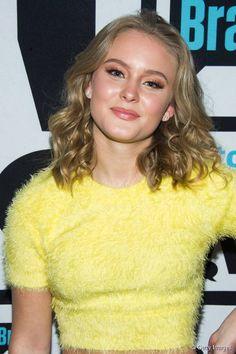 Zara Larsson est une chanteuse suédoise.