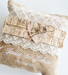 Ringkissen - Vintage | Shabby Chic | Rustikal von Kreative Papeterie für Hochzeit, Geburt und Geburtstag! auf DaWanda.com