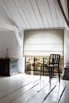 #vouwgordijnen #raamdecoratie #bécé kleur 7671 Volg ons ook op Facebook. www.tencatewonenenslapen.nl
