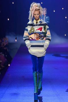 Marc Jacobs Spring 2017 Ready-to-Wear Fashion Show - Lexi Boling