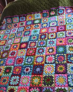 a knit and crochet community Crochet Blocks, Granny Square Crochet Pattern, Crochet Granny, Crochet Motif, Knit Crochet, Baby Knitting Patterns, Knitting Yarn, Crochet Patterns, Crochet Bedspread