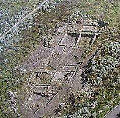 Nel sito di Geridu sono state realizzate 10 campagne di scavo, che hanno riportato in luce 12 edifici.