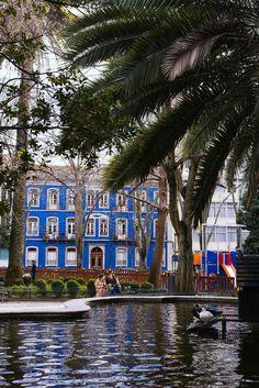 Le Jardim Da Parada situé dans le quartier Campo de Ourique de Lisbonne. Faro Portugal, Visit Portugal, Spain And Portugal, Portugal Travel, Travel Around The World, Around The Worlds, Barbados Travel, Voyage Europe, Destination Voyage