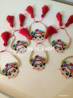 Hama Beads, Seed Beads, Handmade Bracelets, Beaded Bracelets, Beaded Necklace Patterns, Peyote Stitch, Brick Stitch, Loom Beading, Beaded Flowers