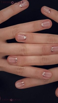 Are you looking for gold silver white bling glitter wedding nails? See our collection full of gold silver white bling glitter wedding nails and get inspired! Account Suspended # 29 stylish and cute summer nails design ideas and pictures for 2019 page 43 Fancy Nails, Pretty Nails, Sparkle Nails, Gorgeous Nails, Nail Bling, Clean Nails, Gold Sparkle, Hair And Nails, My Nails
