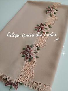 Hand Work Embroidery, Flower Embroidery Designs, Emoji, Flowers, Crafts, Amigurumi, Manualidades, The Emoji, Handmade Crafts