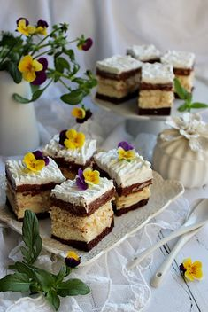 MARCIPÁNOS KOCKA ~ Cheesecake, Food And Drink, Sweet, Kuchen, Candy, Cheesecakes, Cherry Cheesecake Shooters