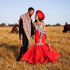 Zulu Traditional Wedding Dresses, South African Traditional Dresses, Traditional Fashion, Traditional Outfits, African Wear Dresses, African Wedding Dress, Latest African Fashion Dresses, African Attire, African Weddings