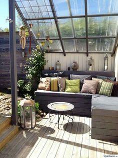 Benefits of having small roof garden design ideas 25 Inspiring Rooftop Terrace Design Ideas Rooftop Terrace Design, Terrace Garden, Garden Spaces, Rooftop Patio, Small Terrace, Small Patio, The Garden Room, Rooftop Lounge, Outdoor Balcony
